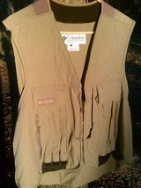 **  COLUMBIA XL 12 GAUGE BIRD VEST  ** in Camp Lejeune, North Carolina